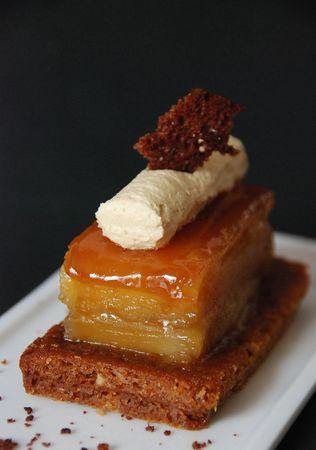 cr_me_de_foie_gras_en_tatin_de_pommes_caramel_et_pain_d__pices_002