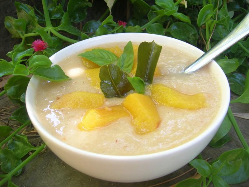 Soupe glac e aux 2 p ches citron et basilic cuisine plurielle - Citronnier feuilles jaunes ...