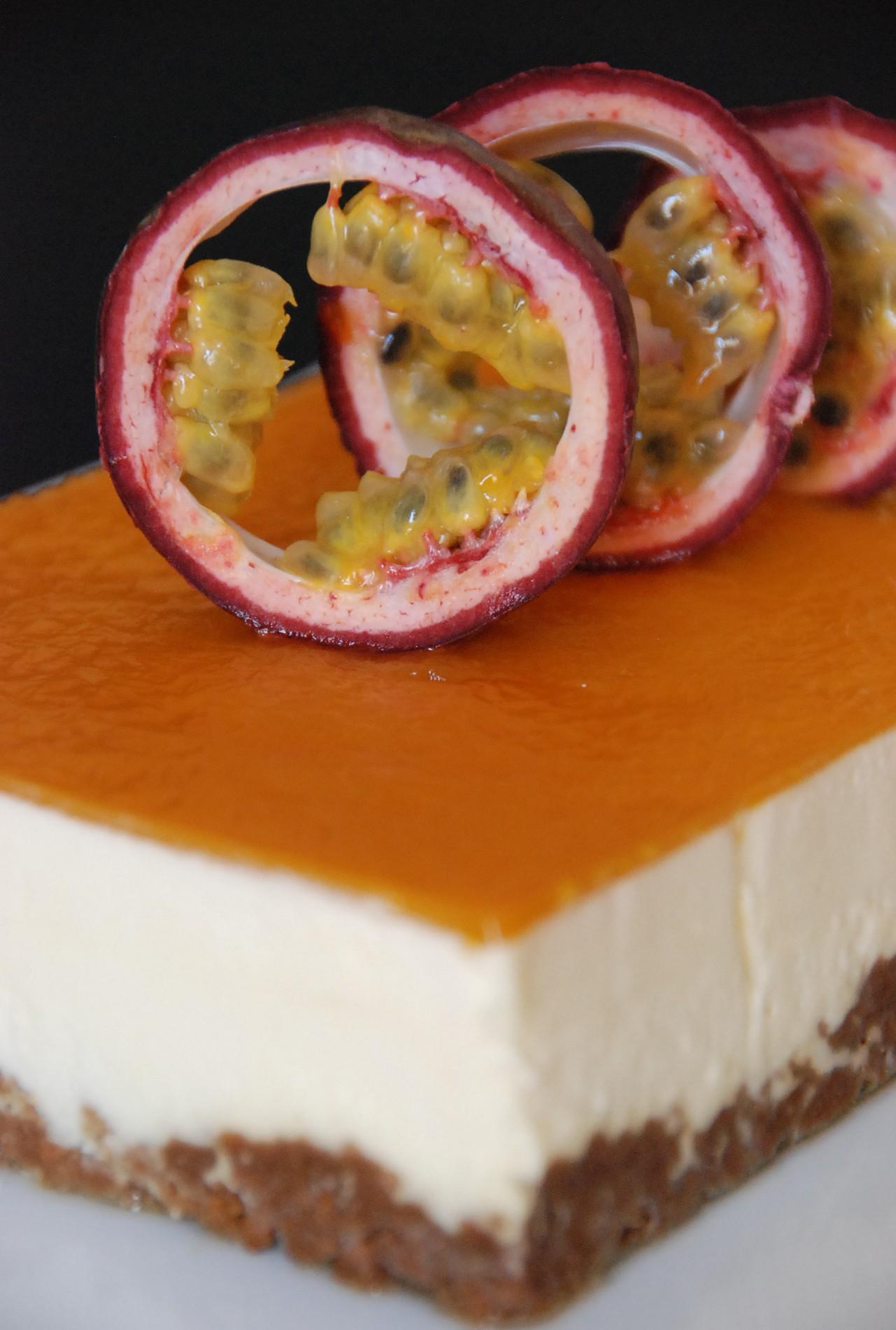 Entremets Croustillant Speculos Mousse Au Chocolat Blanc Fruits De
