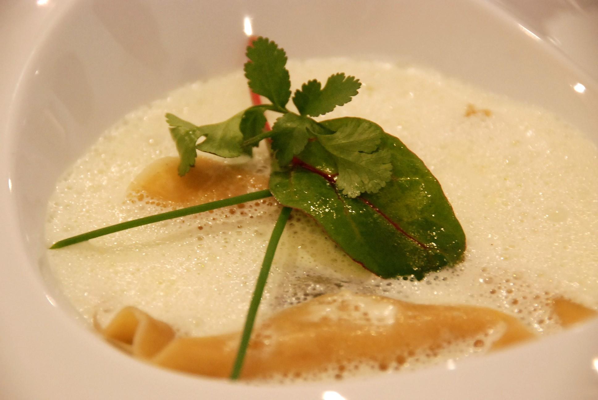 Ravioles féta épinards, sauce mousseuse à l'estragon - Blogs de ...