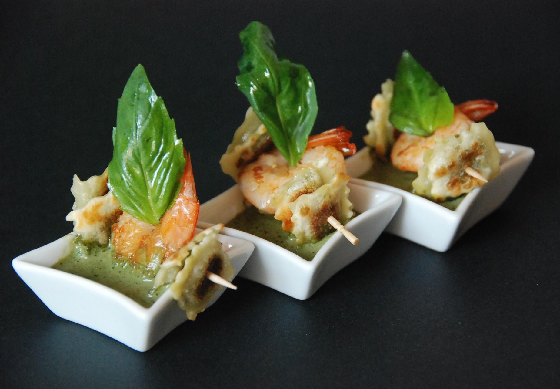 ravioles croustillantes au basilic crevettes et cr me de. Black Bedroom Furniture Sets. Home Design Ideas