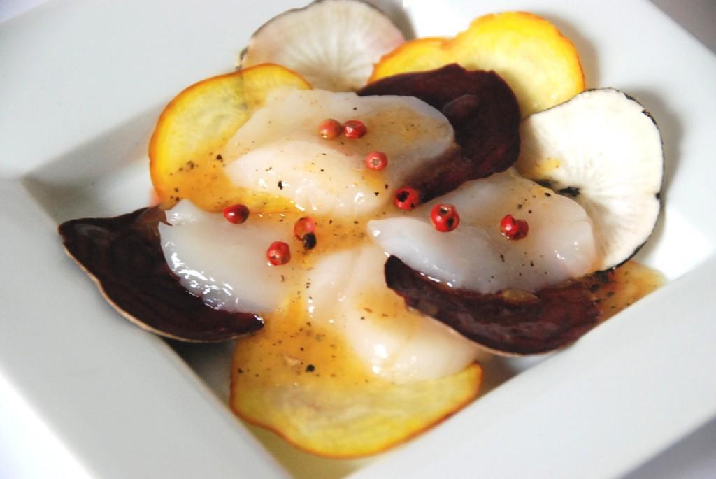 Carpaccio de saint jacques aux deux betteraves radis noir - Cuisiner des st jacques ...