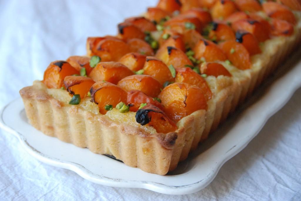 tarte aux abricots cr me d 39 amandes pistaches cuisine plurielle. Black Bedroom Furniture Sets. Home Design Ideas