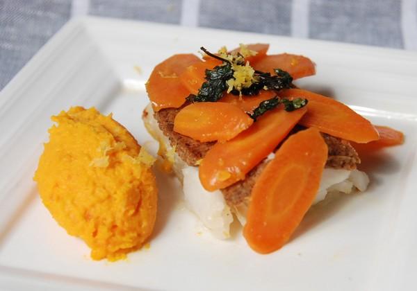 Dos de cabillaud en croûte de citron, carottes en deux façons